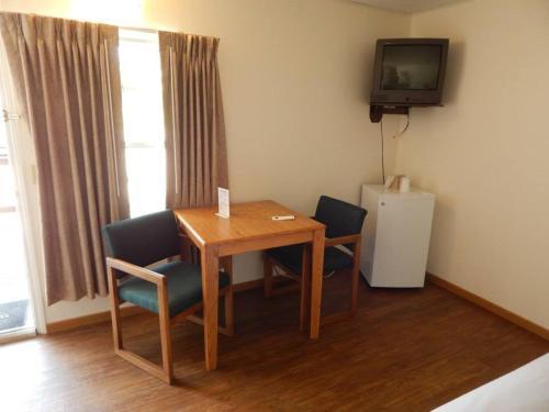 The Brookside Motel / Mt. Rushmore - Keystone, SD 57751