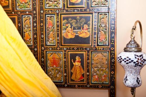 Habitación con cama extragrande y vistas al jardín Hotel Boutique Al- Ana Marbella 13