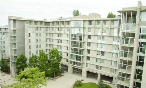 Simon Hotel At Simon Fraser University - Burnaby, BC V5A 1S6