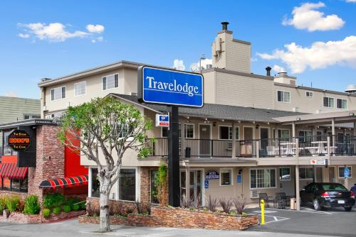 Travelodge By The Bay Photo