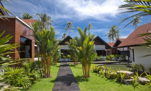 28/3 Moo 6 Nadan Beach Road, 80210, Khanom, Khanom District, Nakhon Si Thammarat 80210, Thailand.