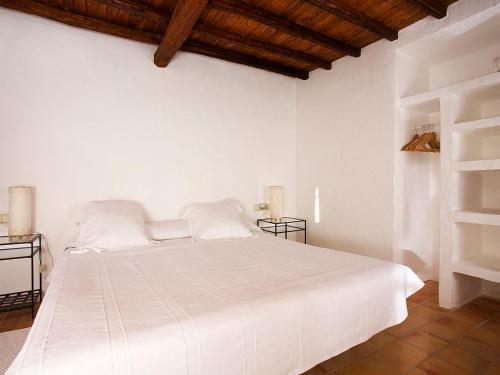 Superior Double Room Agroturismo Ca n'Escandell 14