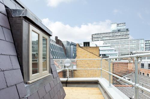1 Crane Court, London, City of London, England, United Kingdom, EC4A 2EJ.