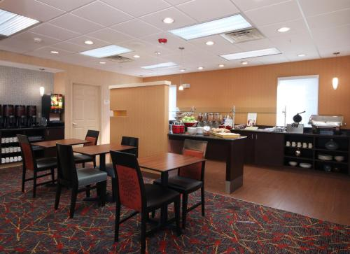 Residence Inn Houston Intercontinental Airport at Greenspoint photo 3