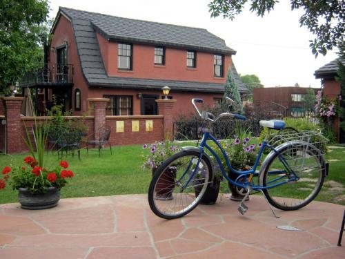 Chamberlin Inn - Cody, WY 82414