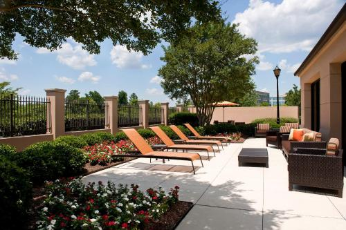 Places to stay with indoor pool in charlotte nc for Indoor swimming pools charlotte nc