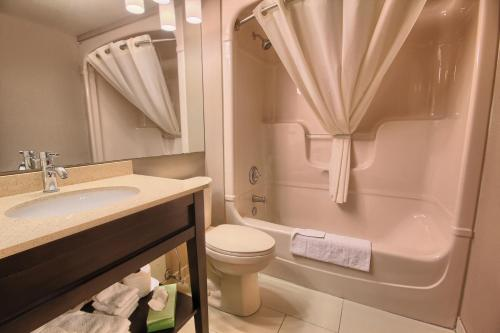 Comfort Inn Guelph Photo