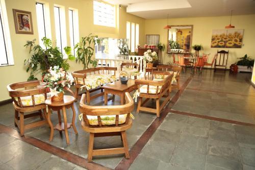 Hotel Platino Photo