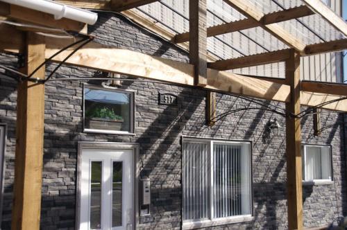 Black Rooster Guesthouse - Prince Rupert, BC V8J 1Z7