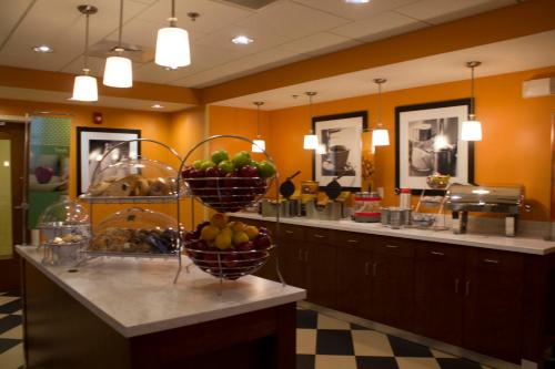 Hampton Inn & Suites Harrisburg Photo
