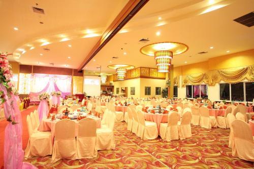 Crown Vista Hotel photo 5