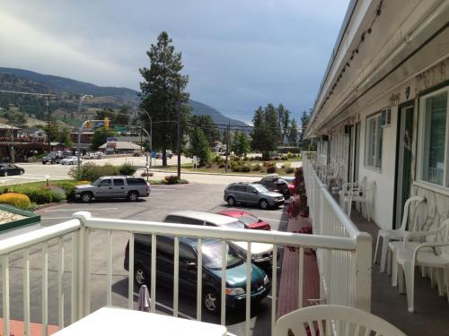 Empire Motel - Penticton, BC V2A 6G6