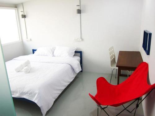 Jellybean EZY Hostel Sathorn photo 13