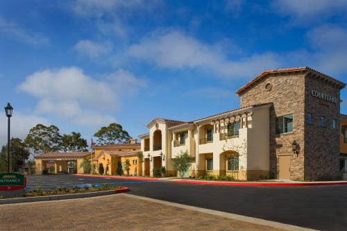 Courtyard by Marriott Santa Barbara Goleta Photo
