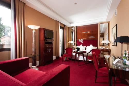 Hotel Lord Byron - Small Luxury Hotels of the World photo 5