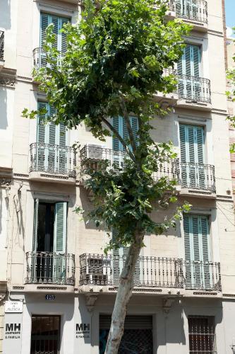 MH Apartments S. Familia photo 3