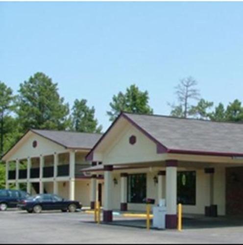 Budget Inn Talladega - Talladega, AL 35160