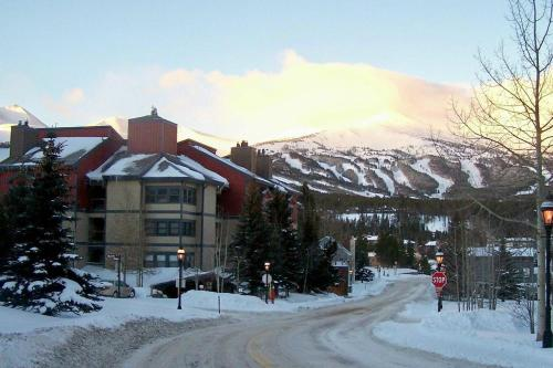 Longbranch By Peak Property Management - Breckenridge, CO 80424