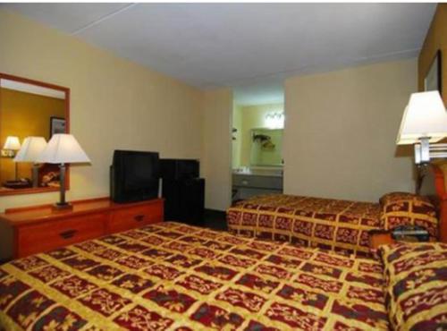 Econo Lodge Cullman - Cullman, AL 35055