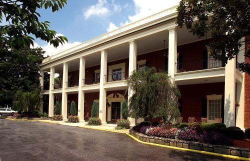 Stone Mountain Inn - Stone Mountain, GA 30083