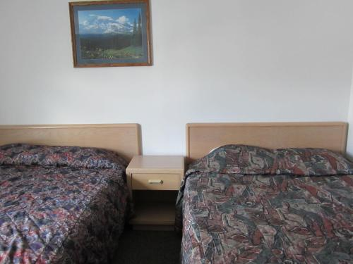 Oasis Hotel - Cache Creek, BC V0K 1H0