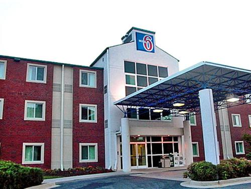 Motel 6 Newport Tn Hotel