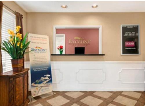 Baymont Inn and Suites - Tuscaloosa Photo
