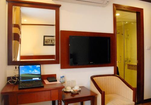 May De Ville Legend Hotel photo 26