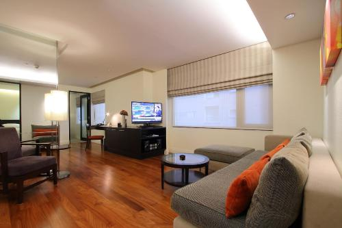Siri Sathorn Hotel photo 40