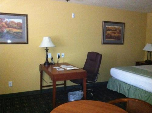 Southern Inn and Suites Yorktown Photo