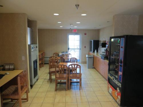 Microtel Inn & Suites by Wyndham Colfax Photo