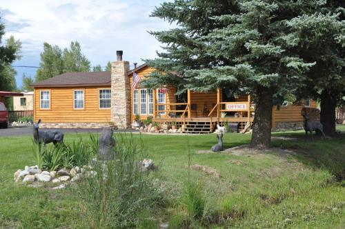 Long Holiday Motel - Gunnison, CO 81230
