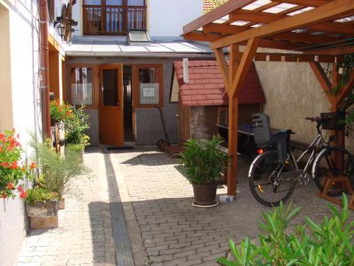 Penzion a restaurace U Trebonského kola