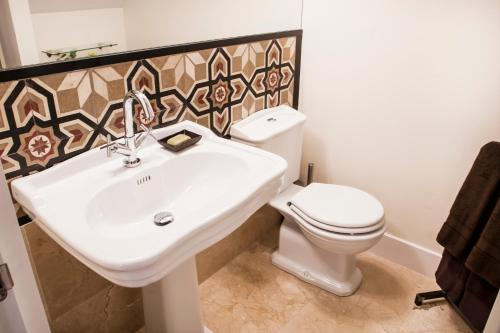 WE Town House with Terrace photo 27