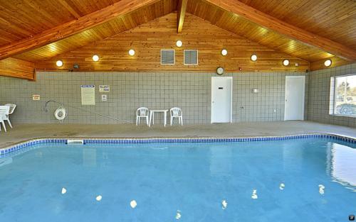 Americas Best Value Inn - Clearwater, MN 55320