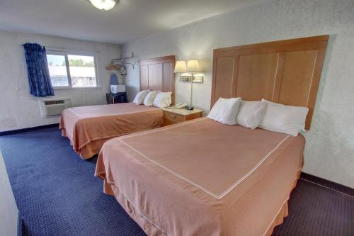 Rodeway Inn & Suites Niagara Falls Photo