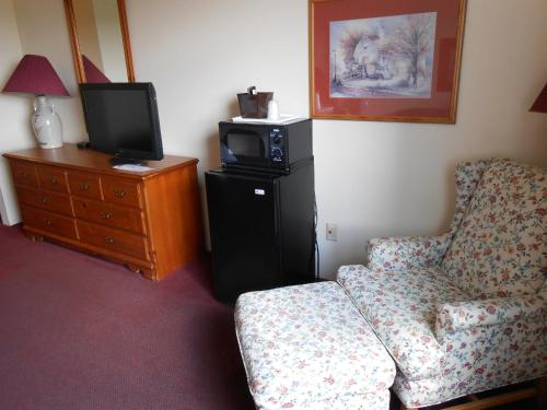 Best Inn Cozy House & Suites - Williamsburg, IA 52361
