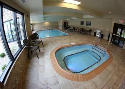 Hampton Inn & Suites Grand Forks - Grand Forks, ND 58201