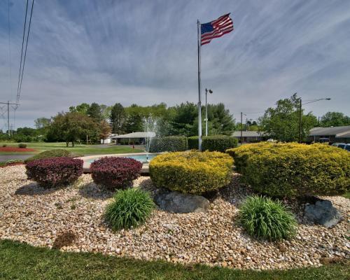 Econo Lodge Conference Center - Allentown, PA 18104