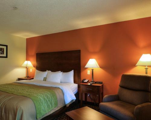 Comfort Inn Fayetteville Photo