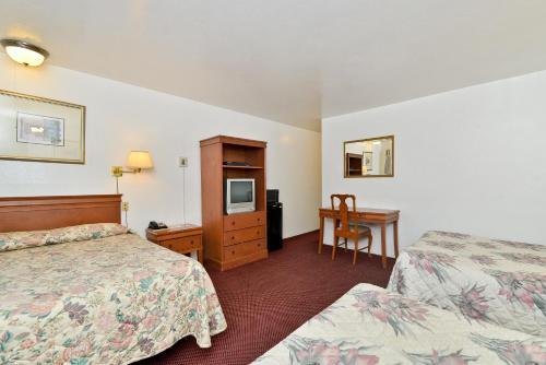 Rodeway Inn Merced Photo