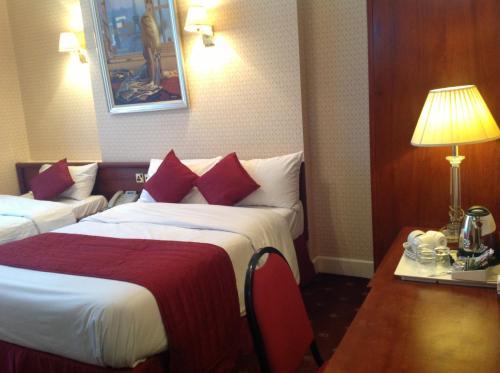 Avon Hotel photo 11