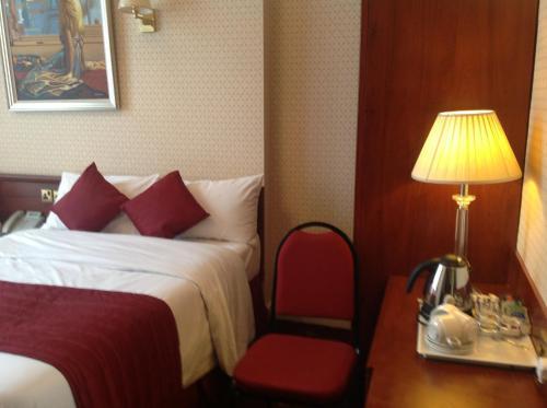 Avon Hotel photo 12