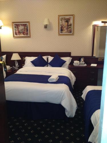 Avon Hotel photo 44