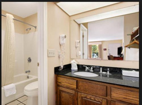 Baymont Inn & Suites - Dunn