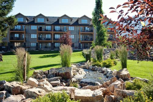 Bighorn Meadows Resort - Radium Hot Springs, BC V0A 1M0