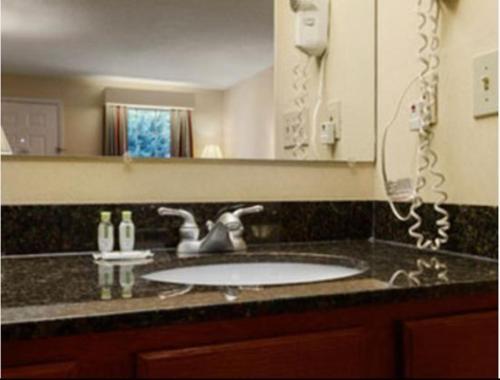 Baymont Inn and Suites - Eden Photo