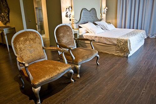 Special Gold Double Room Villa Nazules Hípica Spa 7