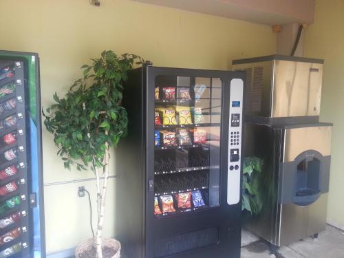 Days Inn & Suites By Wyndham Osceola Ar - Osceola, AR 72370