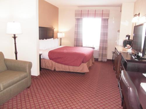 Country Inn & Suites by Radisson, Oklahoma City at Northwest Expressway, OK Photo